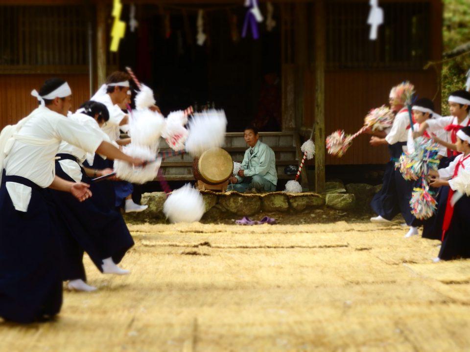奥打井川の花取り踊り