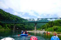 ラフティング体験。四万十川と沈下橋と予土線